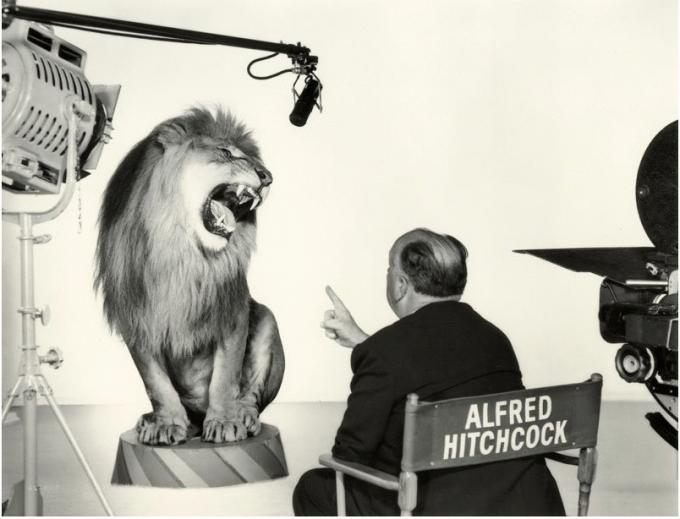Ο Alfred Hitchcock σκηνοθετεί το λιοντάρι της MGM